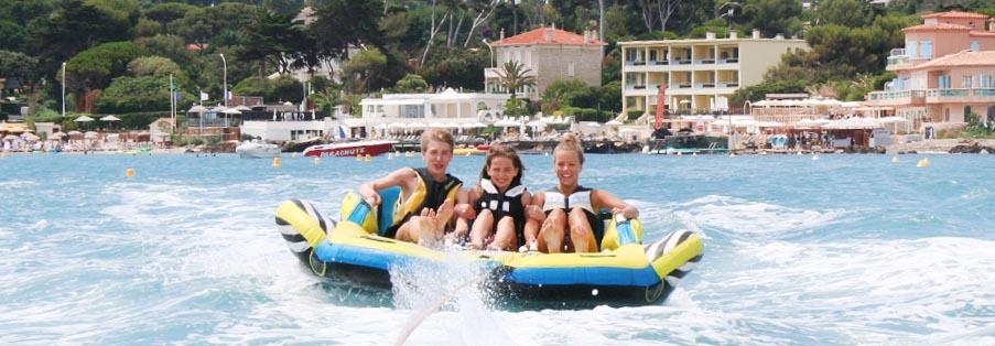 Sports tractés, bouées à Antibes - Juan Les Pins