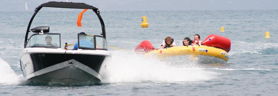 Sports tractés, bouées au Cap d'Antibes - Watersnow